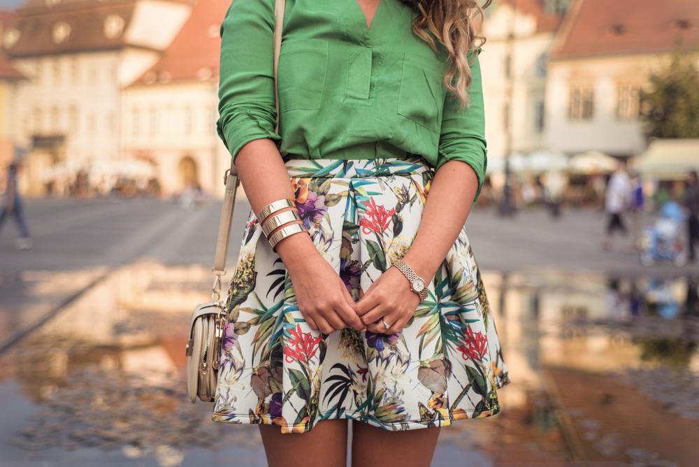 Fashion Agent Stylish Women